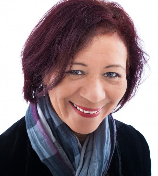 Dr. Sônia Gomes